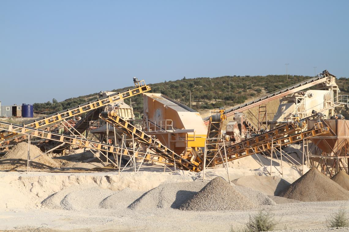 110 Crushing Plant how many tons broke a hour?